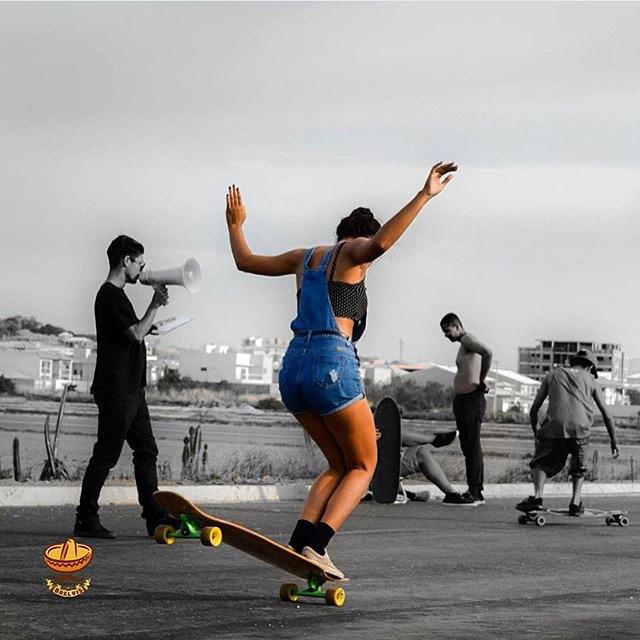 LGC Brasil rider @xtefani hanging ten. Style! @losbrelvis photo.  #longboardgirlscrew #womensupportingwomen #skatelikeagirl #lgc #lgcbrasil #lgcbrazil #stefanieferreira