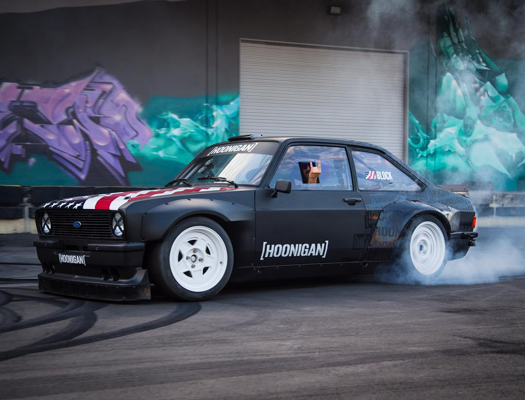 If you haven't seen it yet, head over to the blog on hoonigan.com to watch and hear my Ford Escort Mk2 RS do its first ever burnout, at the @TheHoonigans' Donut Garage. Ah, the sweet sounds of a 9000 rpm rev limiter. #smokemachine #donutgarage...