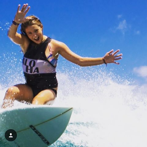 Surf. Skate. Repeat! Love this fun shot of team rider @jordynbarratt! Repost from Jordyn: Don't worry, be happy!#girlswhoshred #surf #summervibes #Hawaii