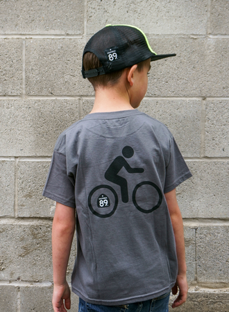 Tees - California 89 KID'S T-SHIRT SHIELD ON FRONT BIKE ON BACK