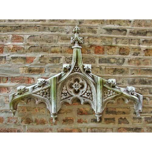 chartres tracery outdoor header 24in