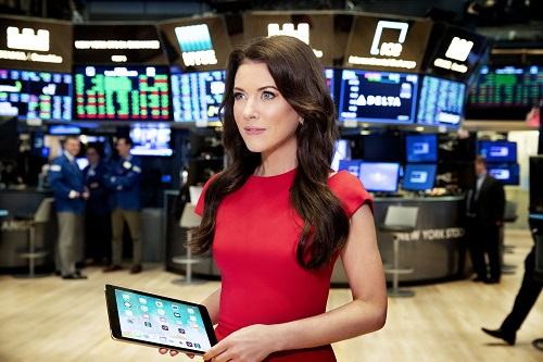 Julia Chatterley Is Making Moves At Cnn International