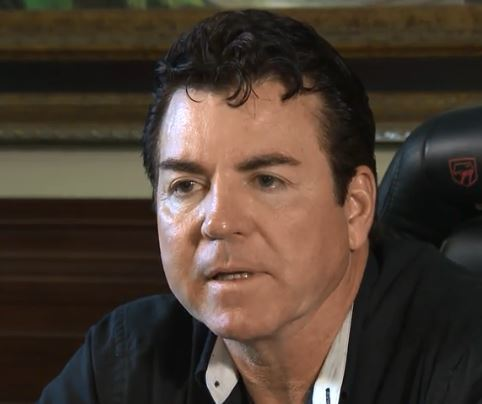 The Pizza Drama Continued Over The Weekend As Papa Johns Founder John Schnatter Doubled And Even Tripled Down On His Claims That Former Aor Laundry Service
