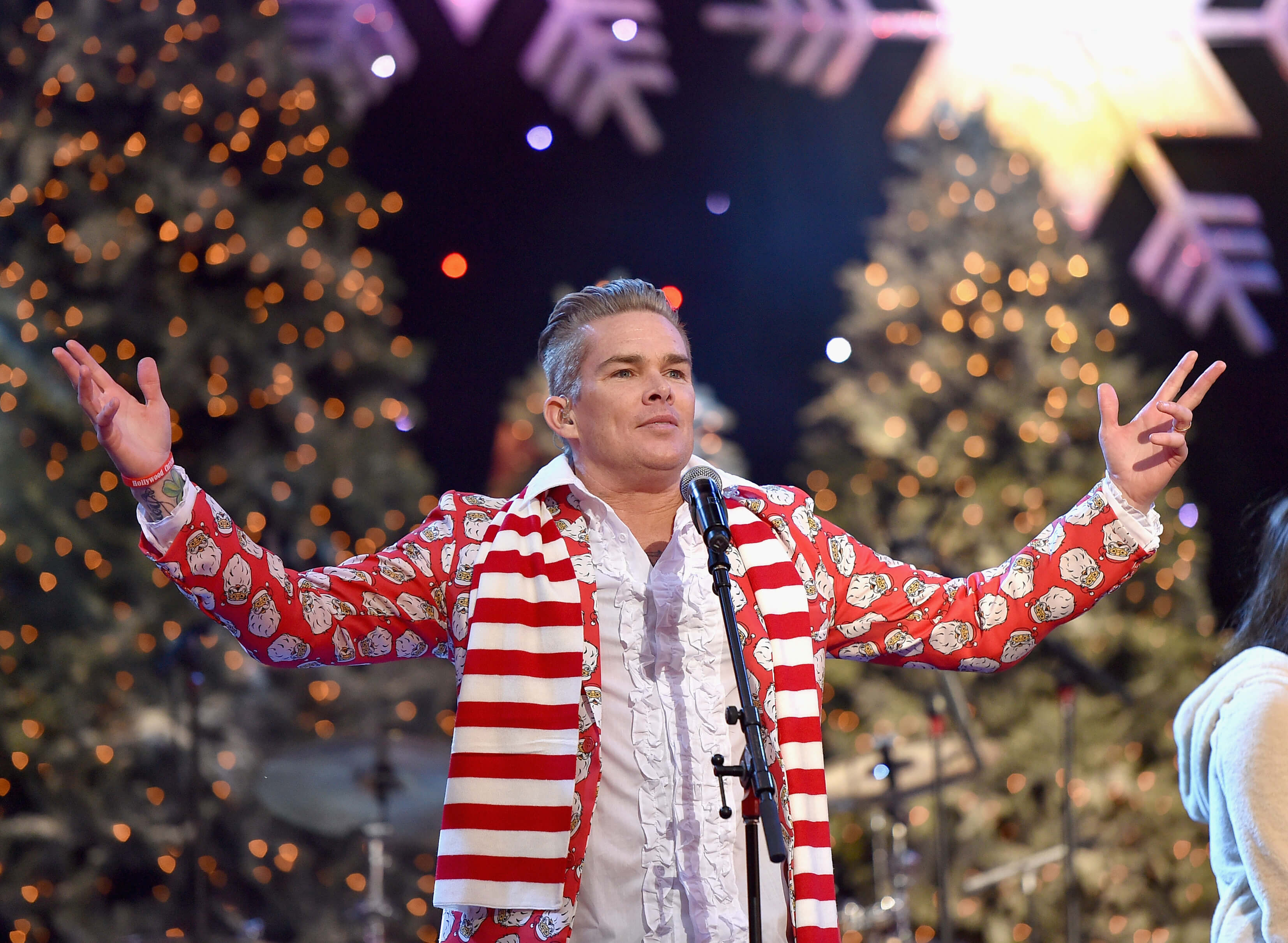 HOLLYWOOD, CA - NOVEMBER 29: Musician Mark McGrath of Band of Merrymakers performs onstage during the 2015 Hollywood Christmas Parade on November 29, 2015 in Hollywood, California.  (Photo by Mike Windle/Getty Images for The Hollywood Christmas Parade)