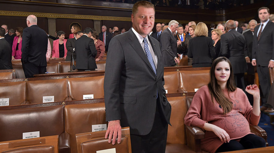Wow! This Man Offered A Pregnant Woman His Seat In Congress