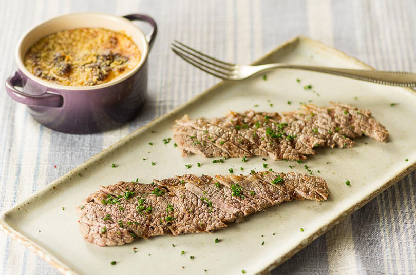 bife-mineiro-de-peito-bovino-com-molho-bechamel-gratinado