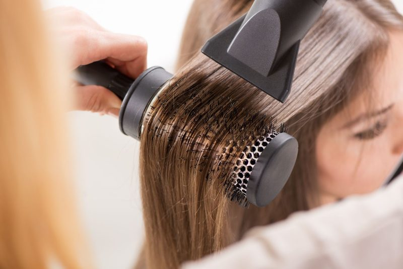 Good quality hair dryer and comb.