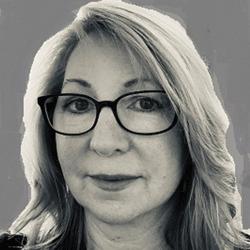 Lorri Larstone headshot