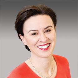 Rebecca Snow headshot
