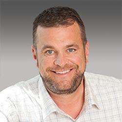 Chris Hogan headshot