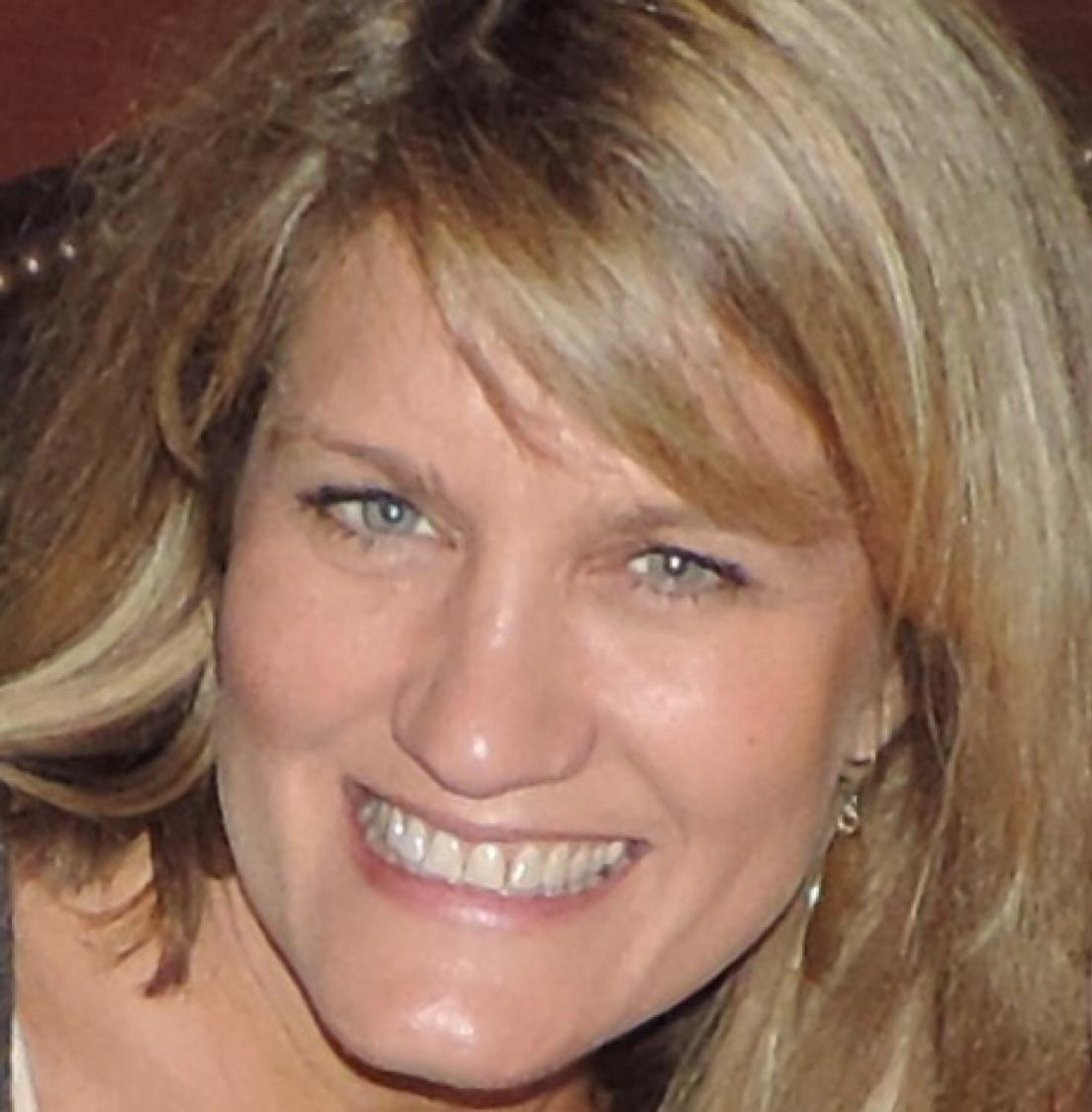 Laurie Panella headshot