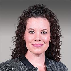 Jenn Hulett headshot