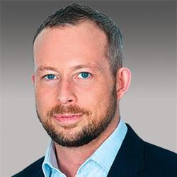 Simon Whitburn headshot