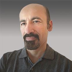 Arash Sadati headshot