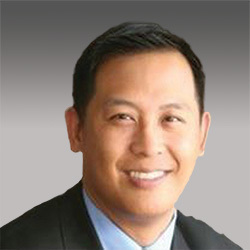 Richard Tang headshot