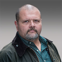 Brett Johnson headshot