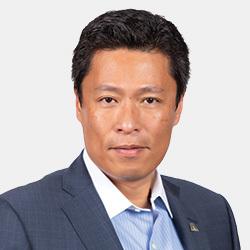 Max (LJ) Chan headshot