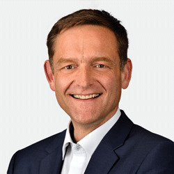 Henning Krüger headshot