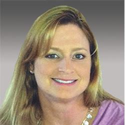 Jennifer Huenemeier headshot
