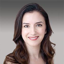 Kristin Raza headshot