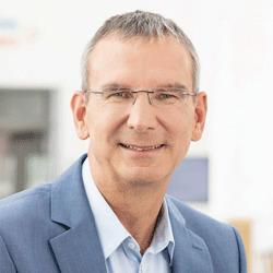Dr. Stefan Henkel headshot
