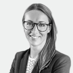 Anna Lundstrom headshot