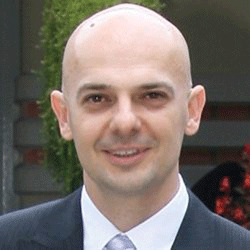 Aleksandar Lazarevic headshot