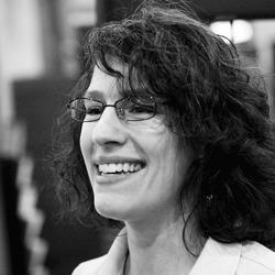 Lisa Lorenzin headshot