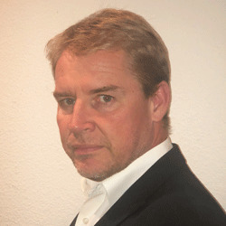 Andreas Gloege headshot