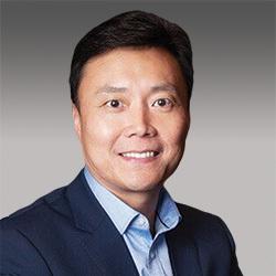 Charles Li headshot