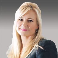 Louise McCarthy headshot