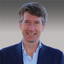 Hans de Visser headshot