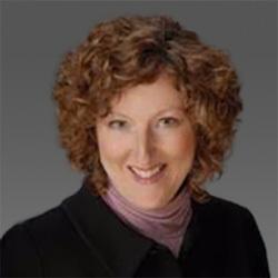 Tracy Powers headshot