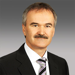 Martin Neubauer headshot