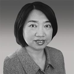 Linda Zhou headshot