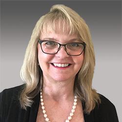 Cathy Luders headshot