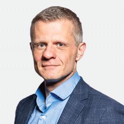 Piotr Mierzejewski headshot