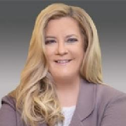Julia Davis headshot