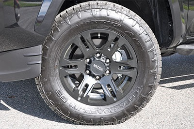 "17""Maverick Black Wheel w/All-Terrain Tire Upgrade"