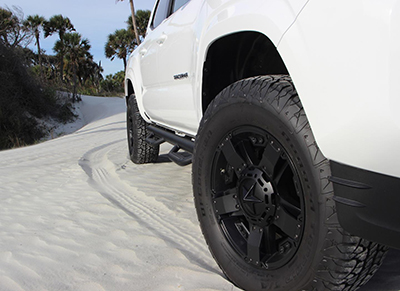 "17"" Rockstar Wheels w/All-Terrain Tire Upgrade"