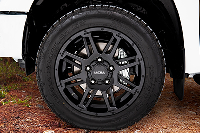 "20""Black Gunner Wheels w/All-Terrain Tire Upgrade"