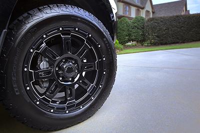 """20"""" Black Gunner w/All-Terrain Tire Upgrade"""