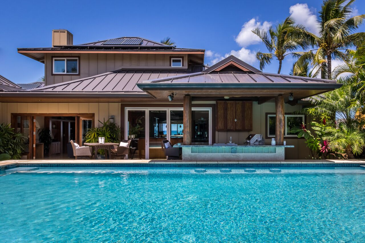 Product Oceanfront 4 Bedroom & 6 Bath: Oxygenated Pool W/ Swim Up Bar