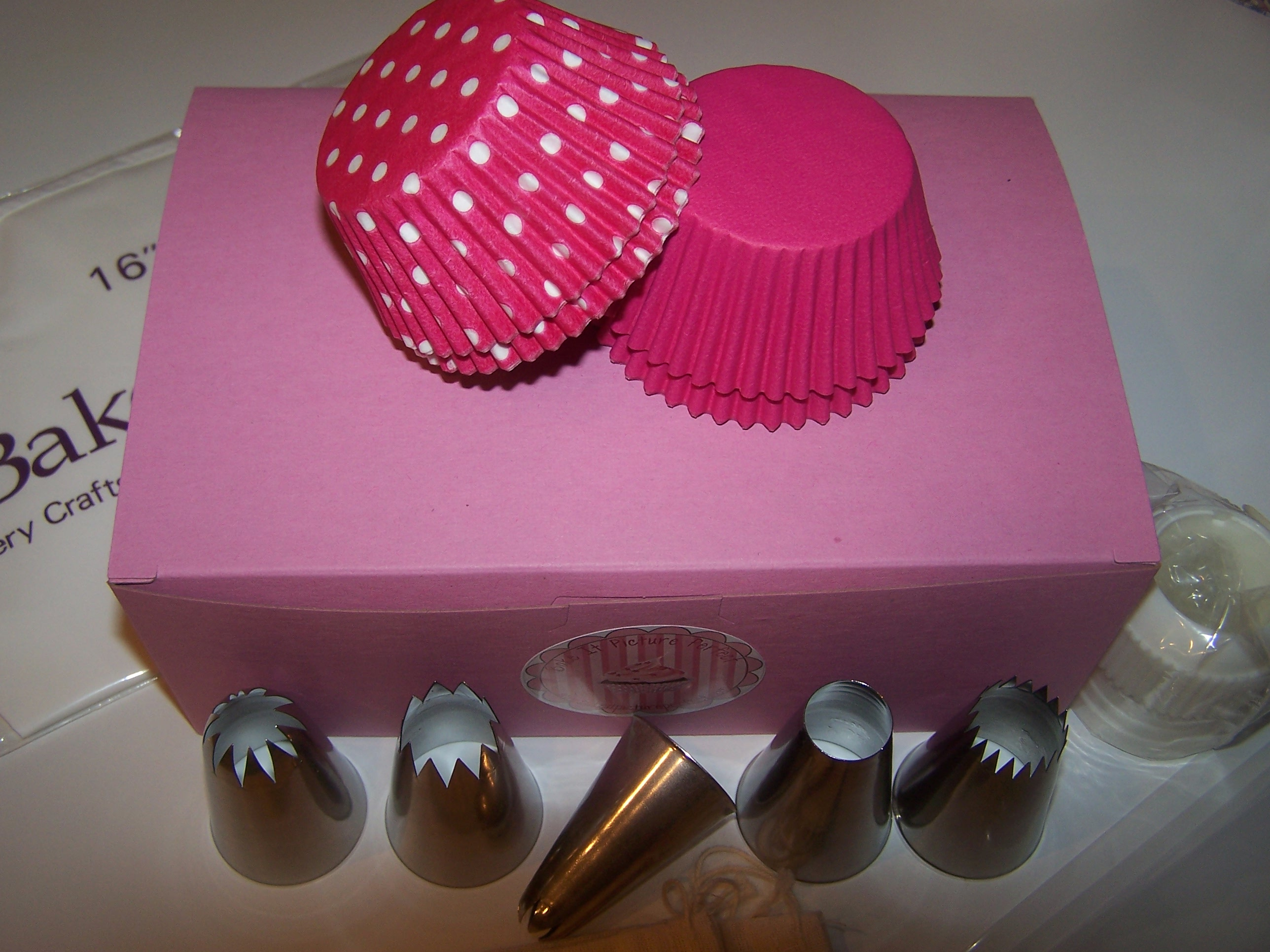 The Pink Box - The Complete Cupcake Icing Kit