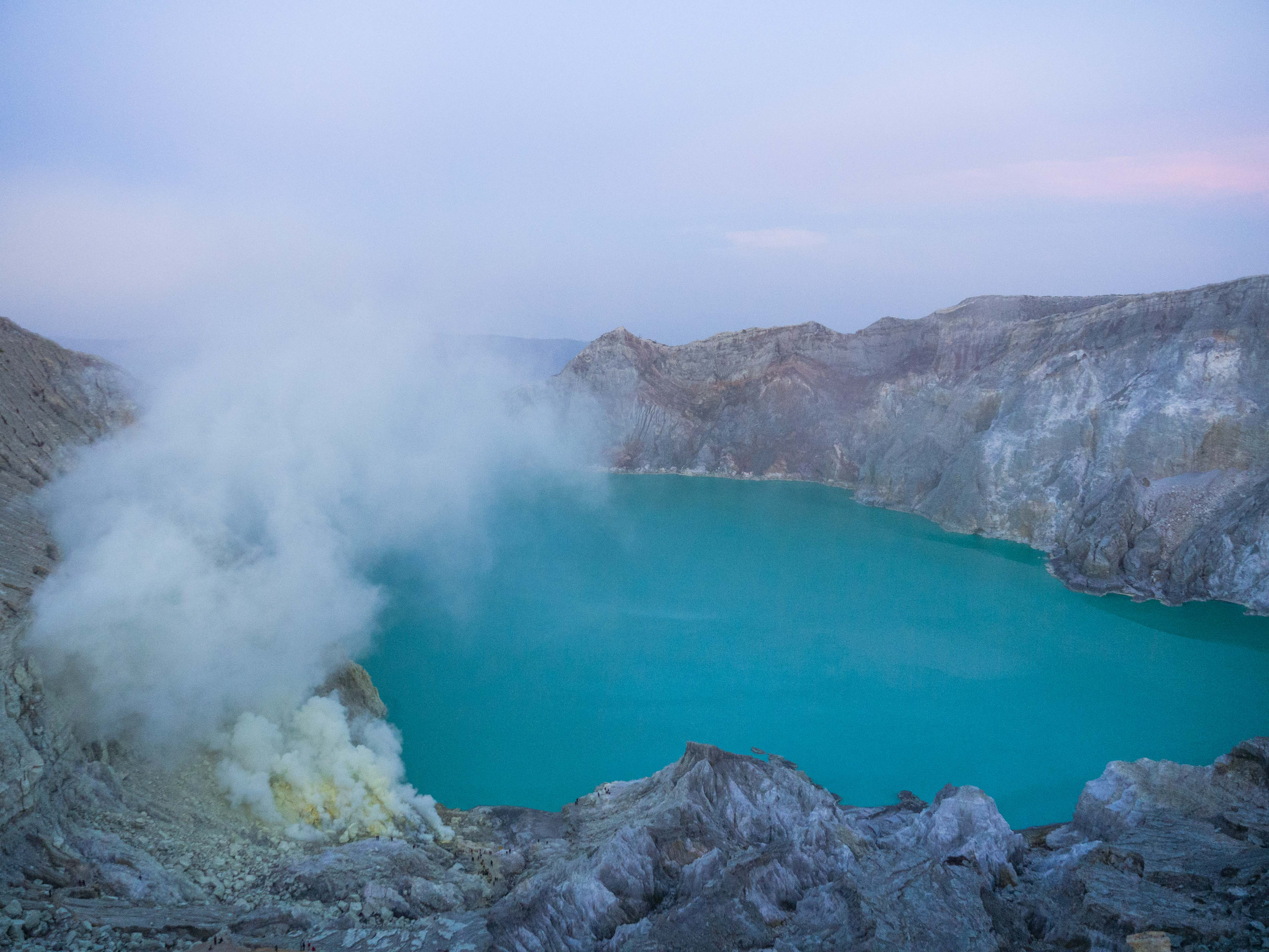 Image for blog article: Volcan- Kawah Ijen & Bromo