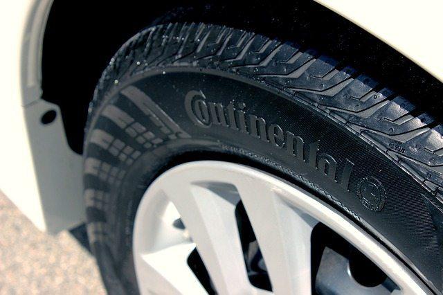 close-up-SUV-tire