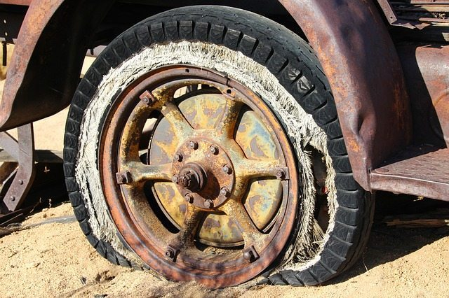 When to Repair or Replace Tires