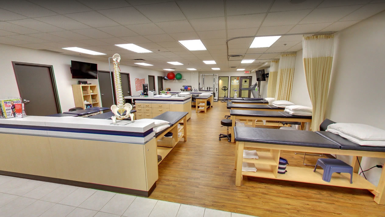 Picture of the Saint-Léonard Action Sports Physiotherapy Clinic. You can book online or call us at 514 955-8525. We offer physiotherapy, kinesiology, osteopathy and many more professional services.
