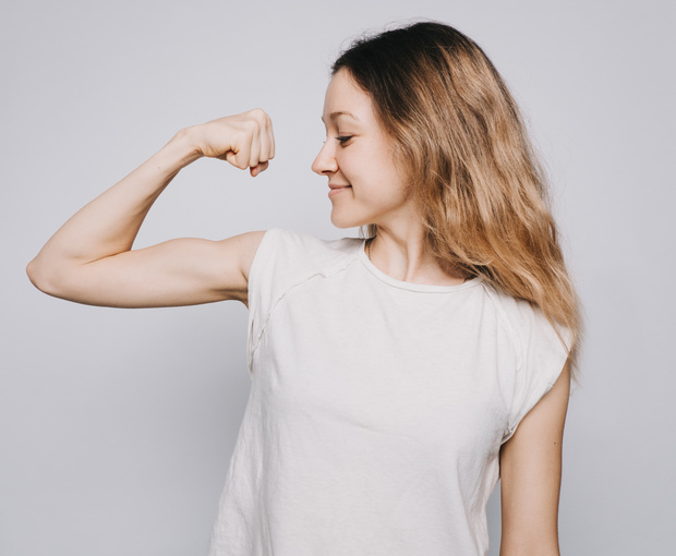La physiothérapie aide la tendinite du biceps