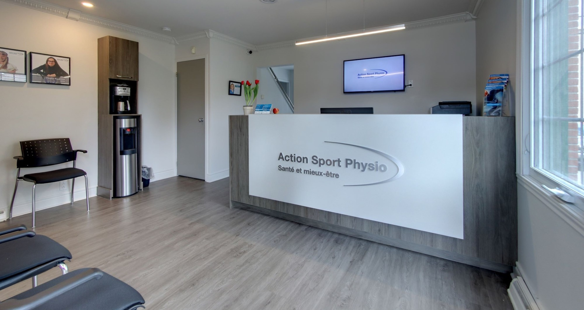 Picture of the Île Perrot Action Sports Physiotherapy Clinic. You can book online or call us at 514 425-9129. We offer physiotherapy, kinesiology, osteopathy and many more professional services.
